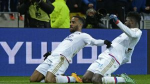 lacazette-a-marque-son-18e-but-en-ligue-1_176646